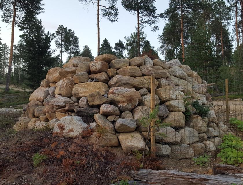 Kiviä Kaivo